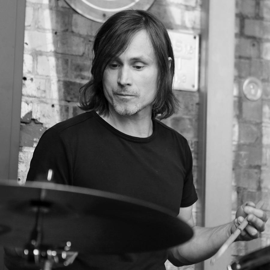 Roman Nawrowski (Drums)