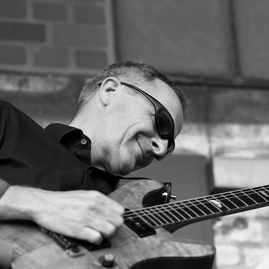 Ronny Bouras (E-Gitarre)
